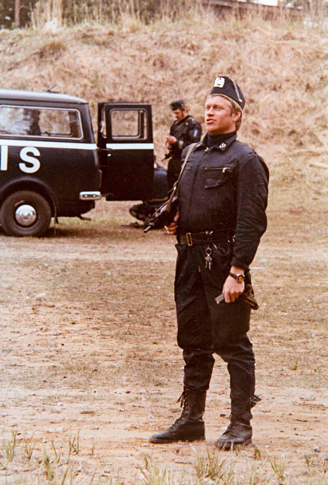 Virkavirhe olisi hidastanut Aimo Limnellin urakehitystä, mutta nuori poliisi ei sitä miettinyt.