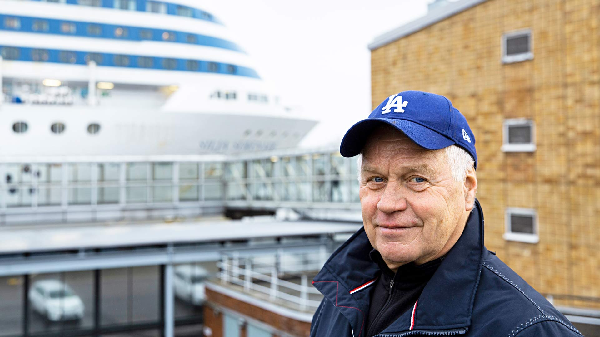 Aimo Limnell kuljetti neuvostoloikkarin poliisiaseman sijasta laivaterminaaliin yli neljä vuosikymmentä sitten.