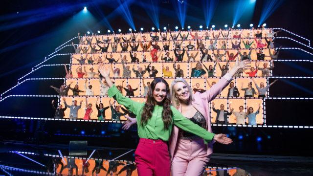 Jaana Pelkonen ja Laura Voutilainen All Together Now Suomi -ohjelmassa.