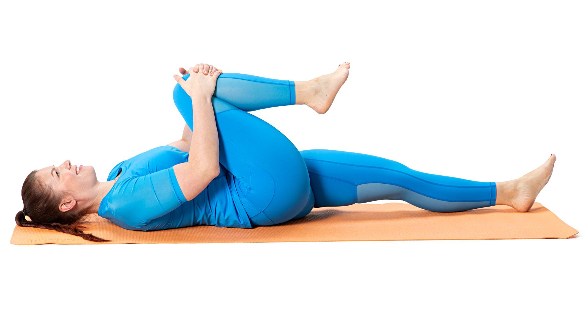 Tunne venytys pakara- ja takareiden lihaksissa.