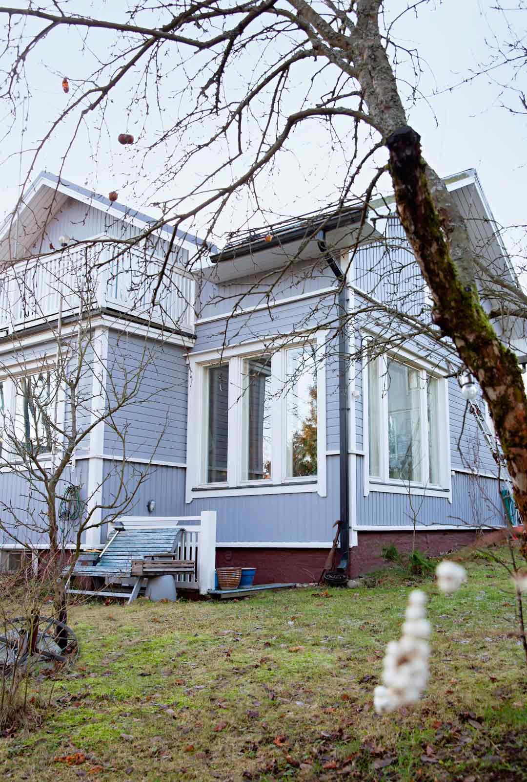 Taloa on vuosien aikana laajennettu moneen suuntaan. Alkuperäinen osa on arvioiden mukaan 1900-luvun alkupuolelta.