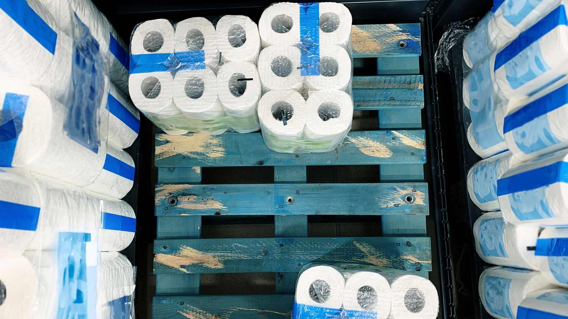 Koronan tuomat ostoryntäykset pienensivät WC-paperivarastoja maailmalla.