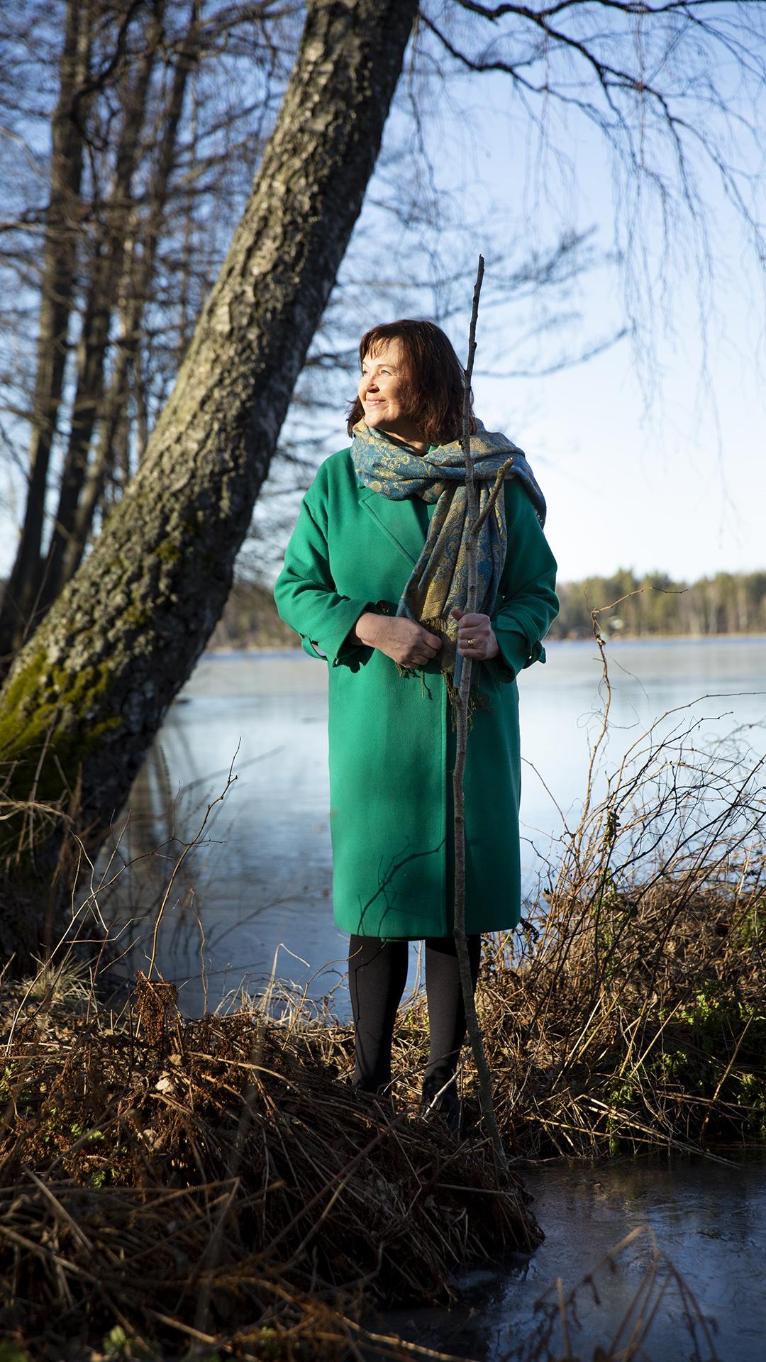 Anna-Mari Kaskisen uusimmat runot puhuvat ikääntymisestä, vanhenemisen monista sävyistä ja elämänkokemuksen arvosta.
