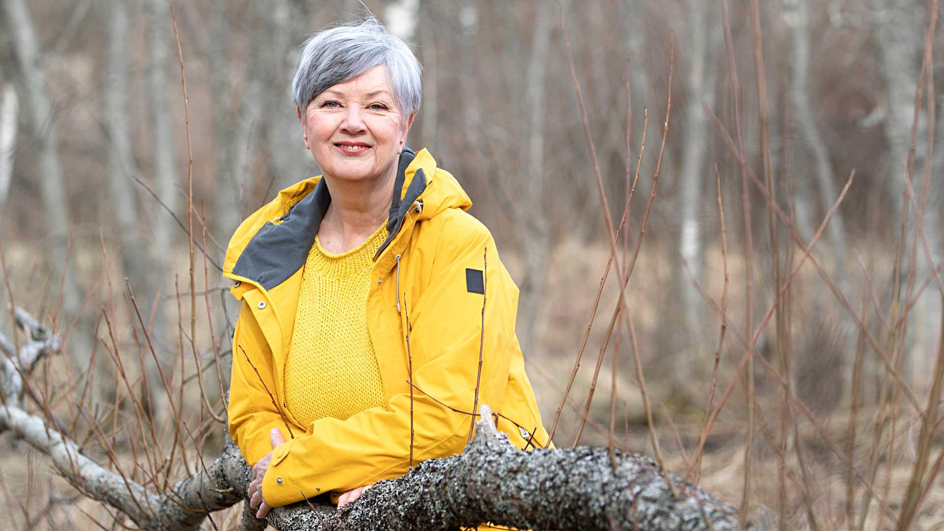 Lapsena Eija Hinkkala haaveili laulajan ammatista, mutta päätyi hammaslääkäriksi. Tehtyään elämänmuutoksen hän on ehtinyt tehdä laulamisen lisäksi paljon muutakin.