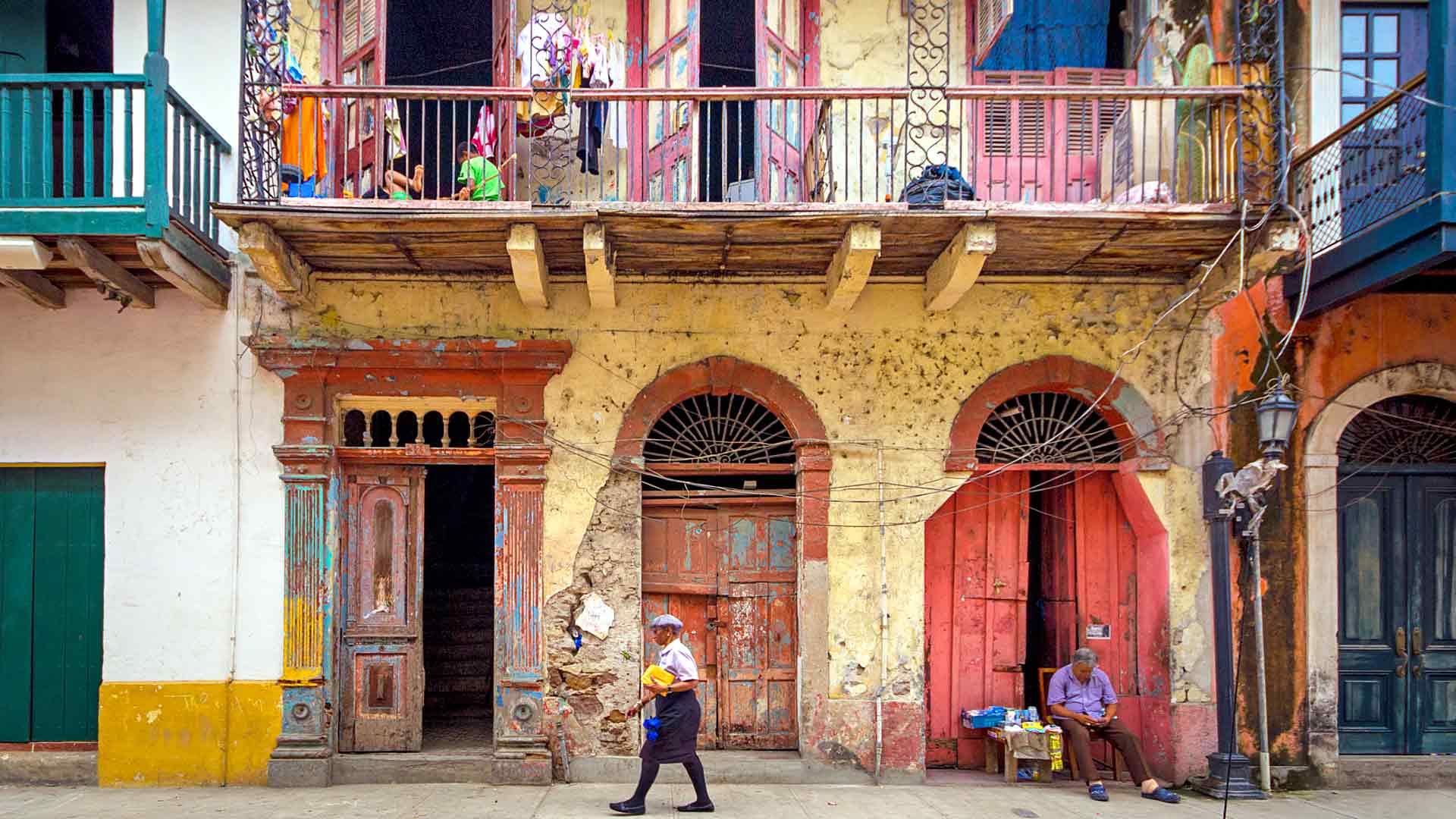 Casco Viejossa voi aistia espanjalaistyylistä siirtomaa-ajan tunnelmaa. Rakennusten pastellinsävyiset julkisivut tarjoavat silmänruokaa ohikulkijalle.