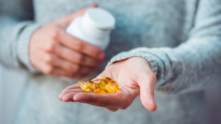 Puhelinmyynnin tarkoitus voi olla sitouttaa asiakkas ostamaan vitamiineja jopa vuodeksi eteenpäin.
