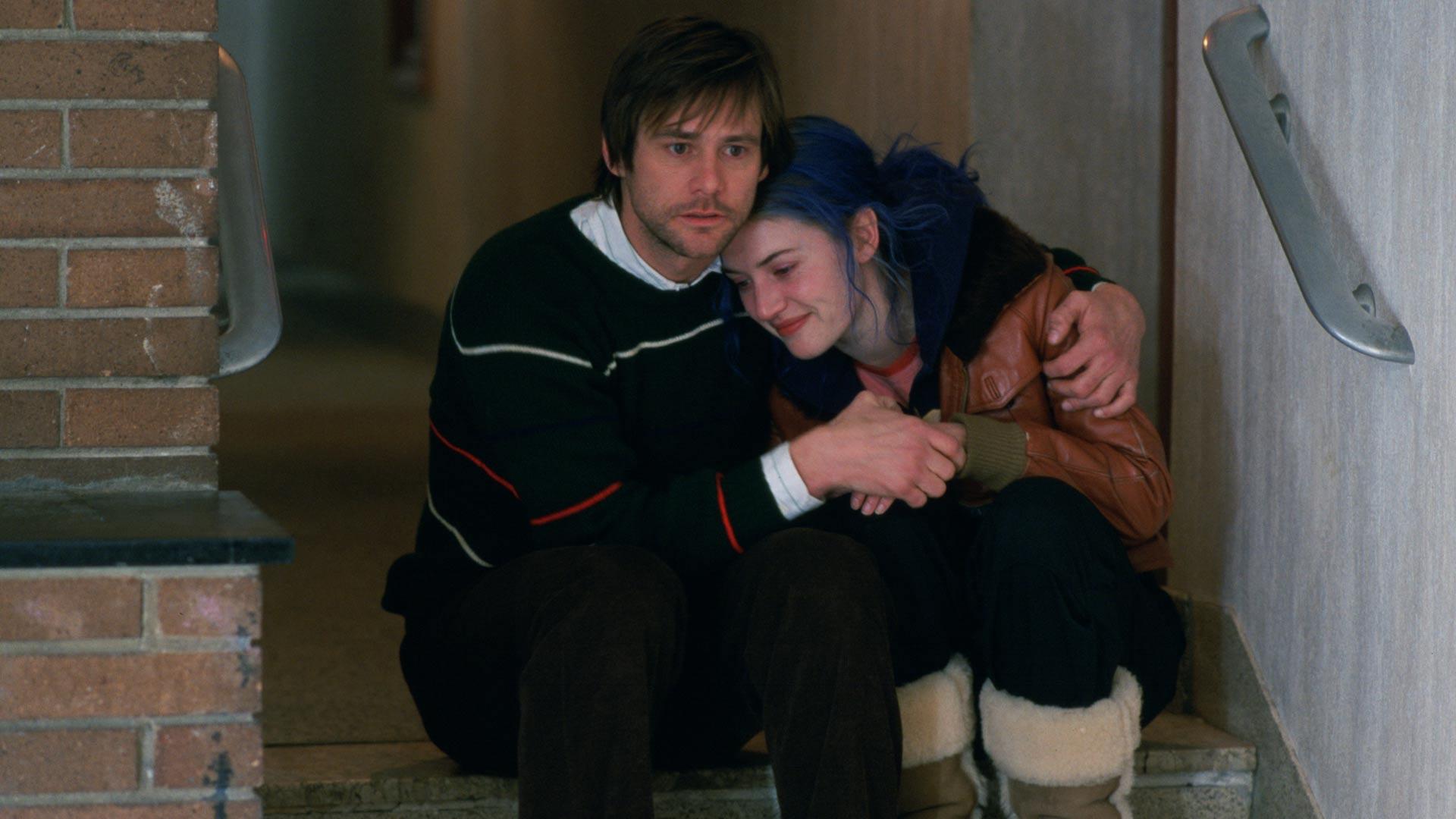 Jim Carrey ja Kate Winslet näyttelevät elokuvassa Tahraton mieli.