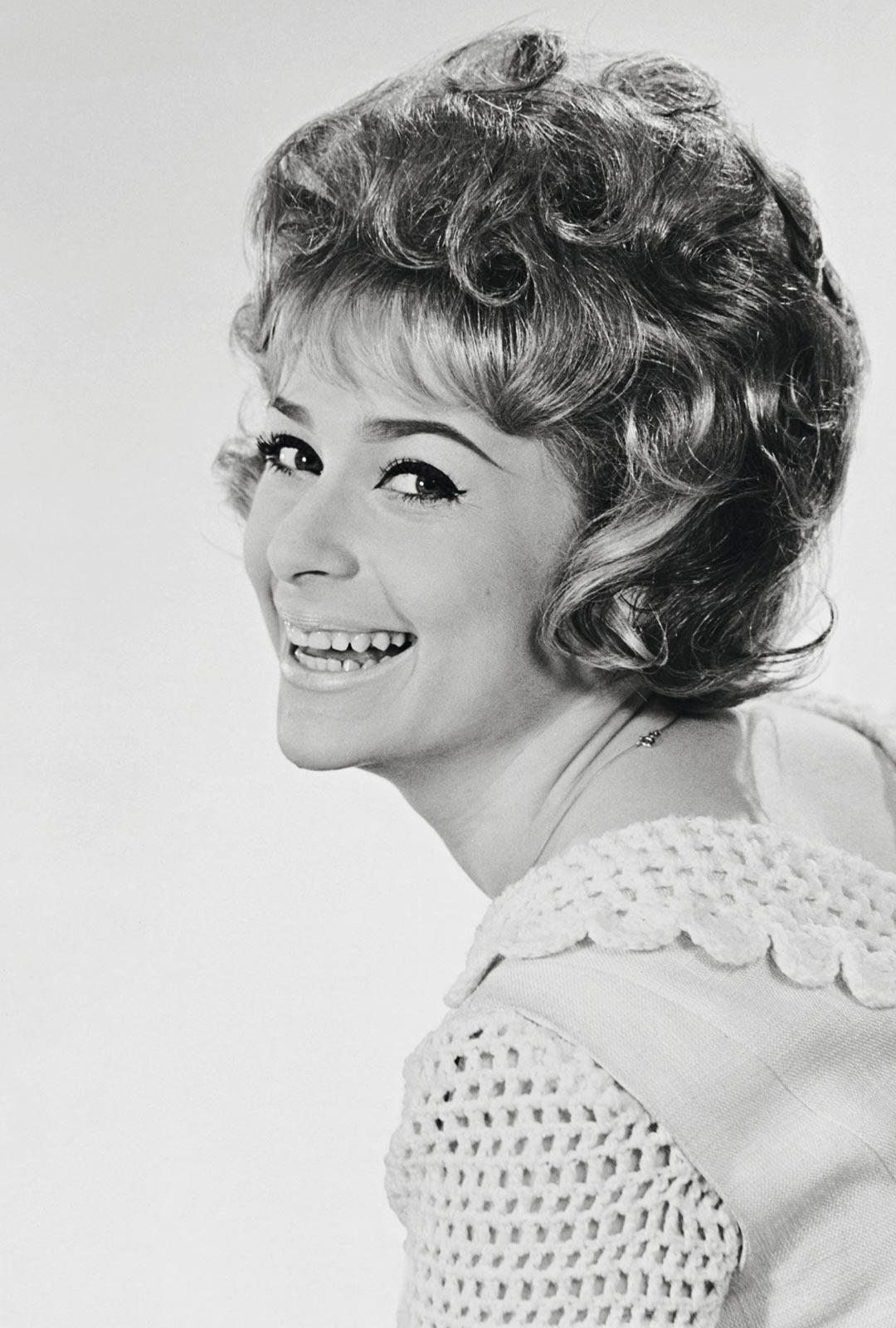 Lähes 60 vuotta laulajana työskennellyt Marion odottaa jo pääsyä keikoille.