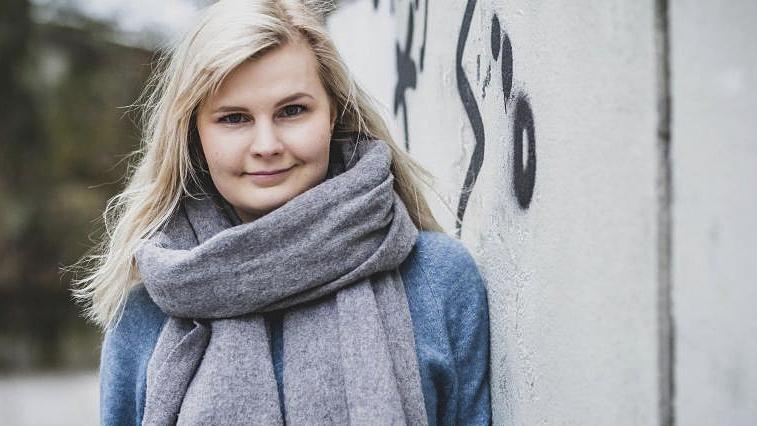 Laman lapsi Silja Uusikangas on pärjännyt taustastaan huolimatta elämässä hyvin. Koettu epävarmuus näkyy silti vaikeutena luottaa siihen, että elämä kantaa.