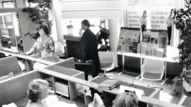 Valeasussa pankkiin tullut munakakkuryöstäjä oli epäilyksiä herättävä jo ensikäynnillä.