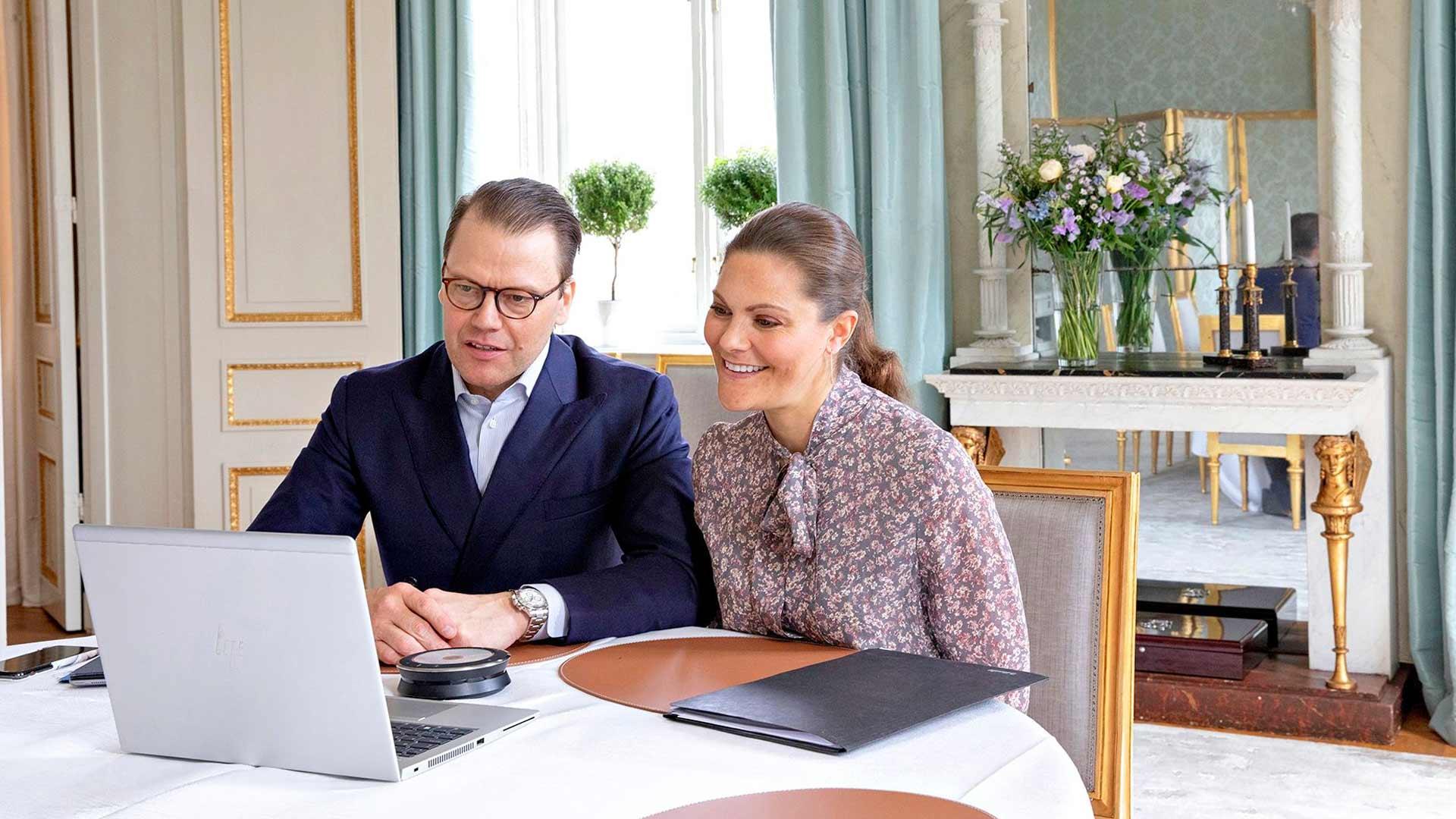 Koronaepidemian aikana Victoria ja Daniel ovat hoitaneet edustustehtäviään videon välityksellä. Toukokuussa he juttelivat Norjan kruununprinssi Haakonin ja kruununprinsessa Mette-Maritin kanssa.