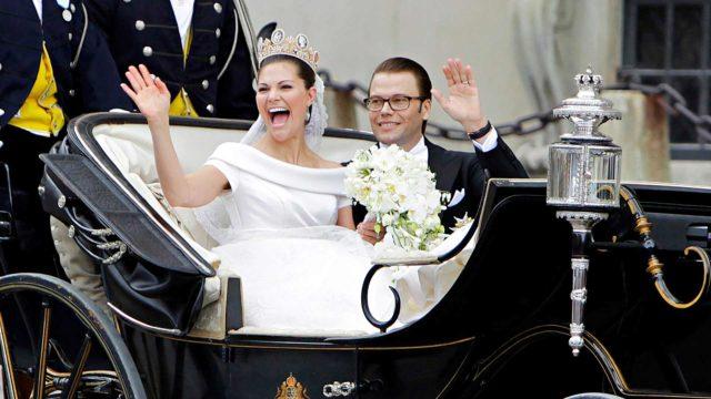 Kruununprinsessa Victoria sai Danielinsa kesähäissä 19.6.2010. Victorian häätyylissä oli paljon samaa kuin kuningatar Silvialla vuonna 1976.