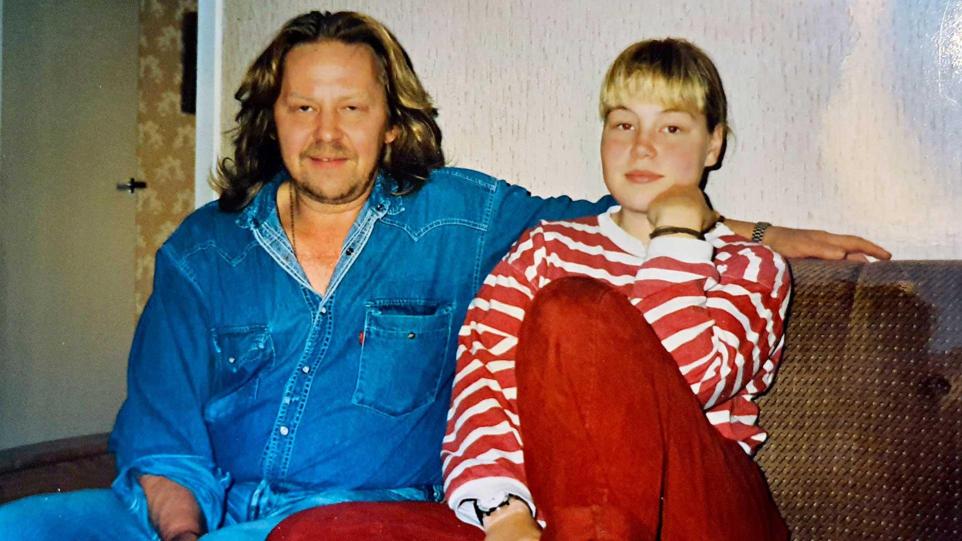 """""""Minulla on isästä paljon myös hyviä ja rakkaita muistoja. Hän on ihminen, joka on muovannut minua eniten sekä hyvässä että pahassa. Hän oli se, joka tunsi minut parhaiten ja kannusti vahvimmin."""""""