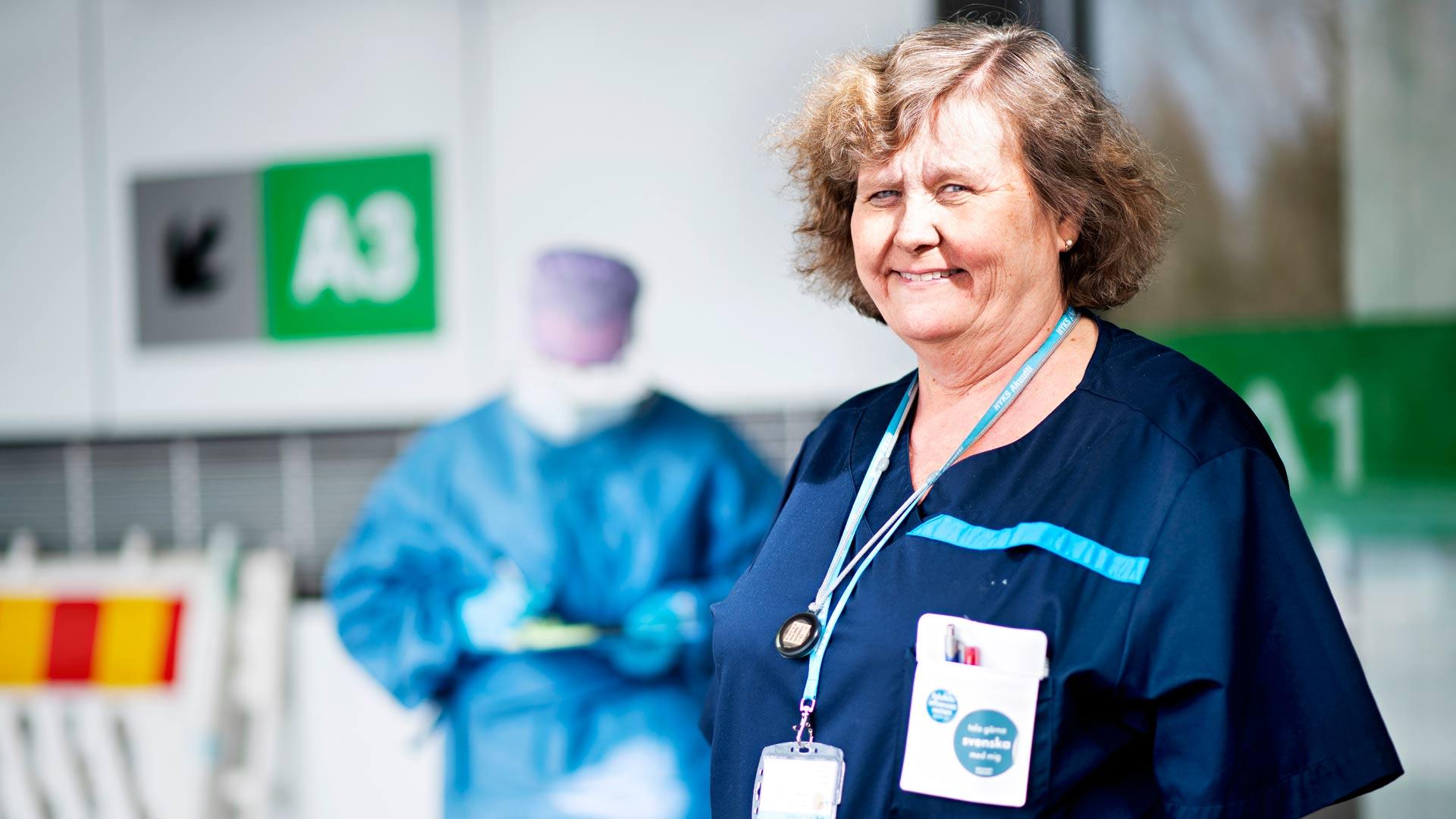 Liki 40 vuoden työkokemus on vahvistanut sairaanhoitaja Susanne Lehvosen uskoa siihen, että suomalainen terveydenhuolto selviää koronaepidemiasta kunnialla.
