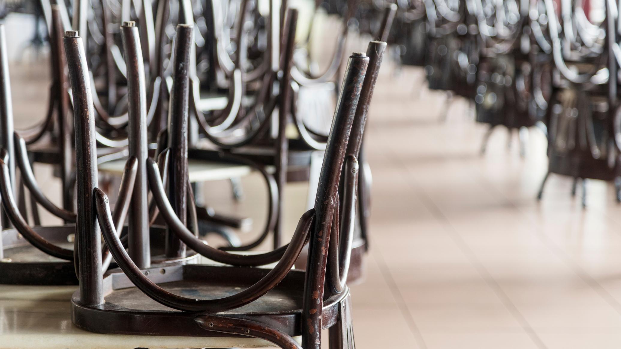 Matkailu- ja ravintola-alan rekrytoinnit ovat hiipuneet.