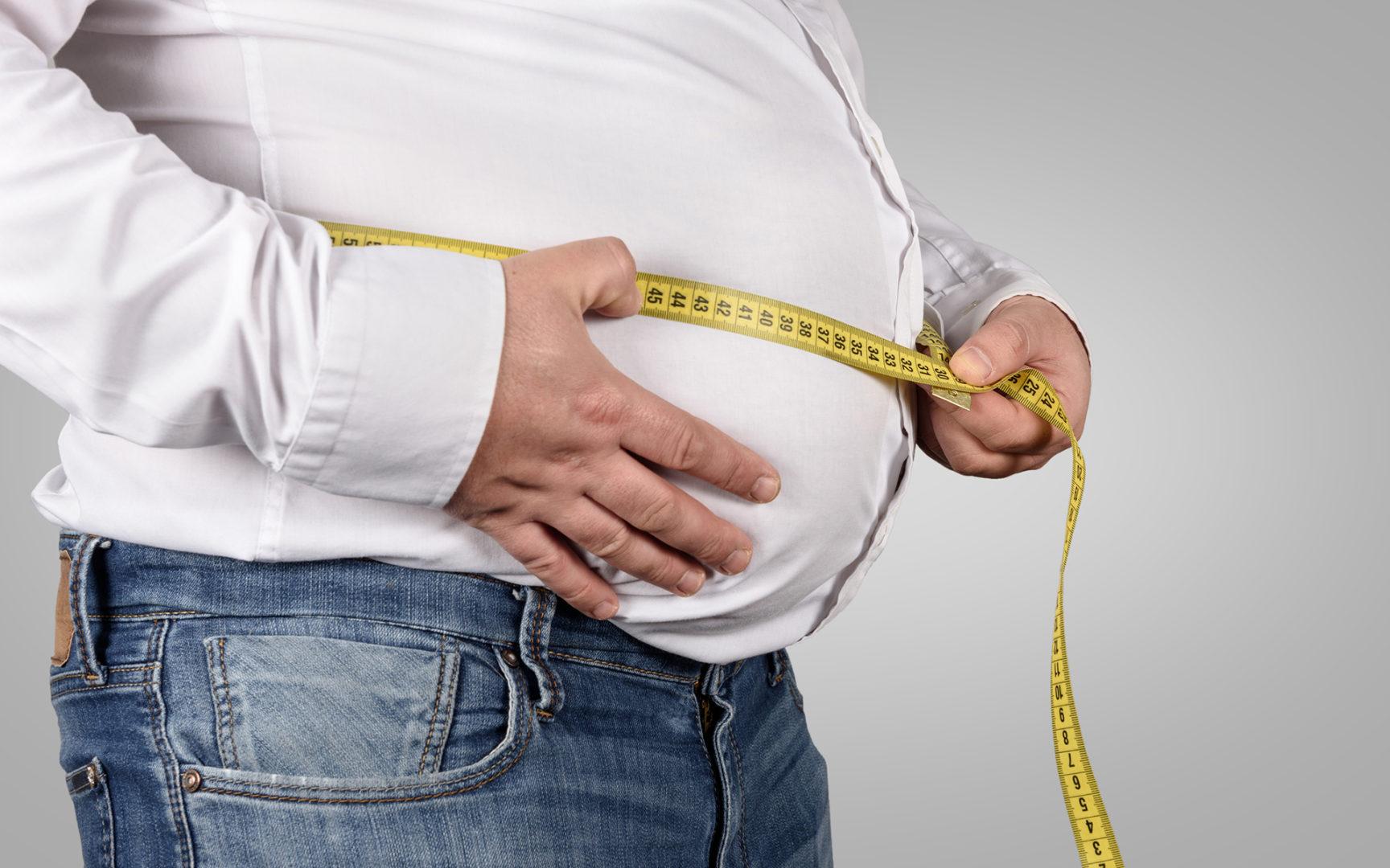 Miesten vaihdevuodet oireilevat monin tavoin. Myös keskivartalolihavuus vähentää testosteronin määrää.