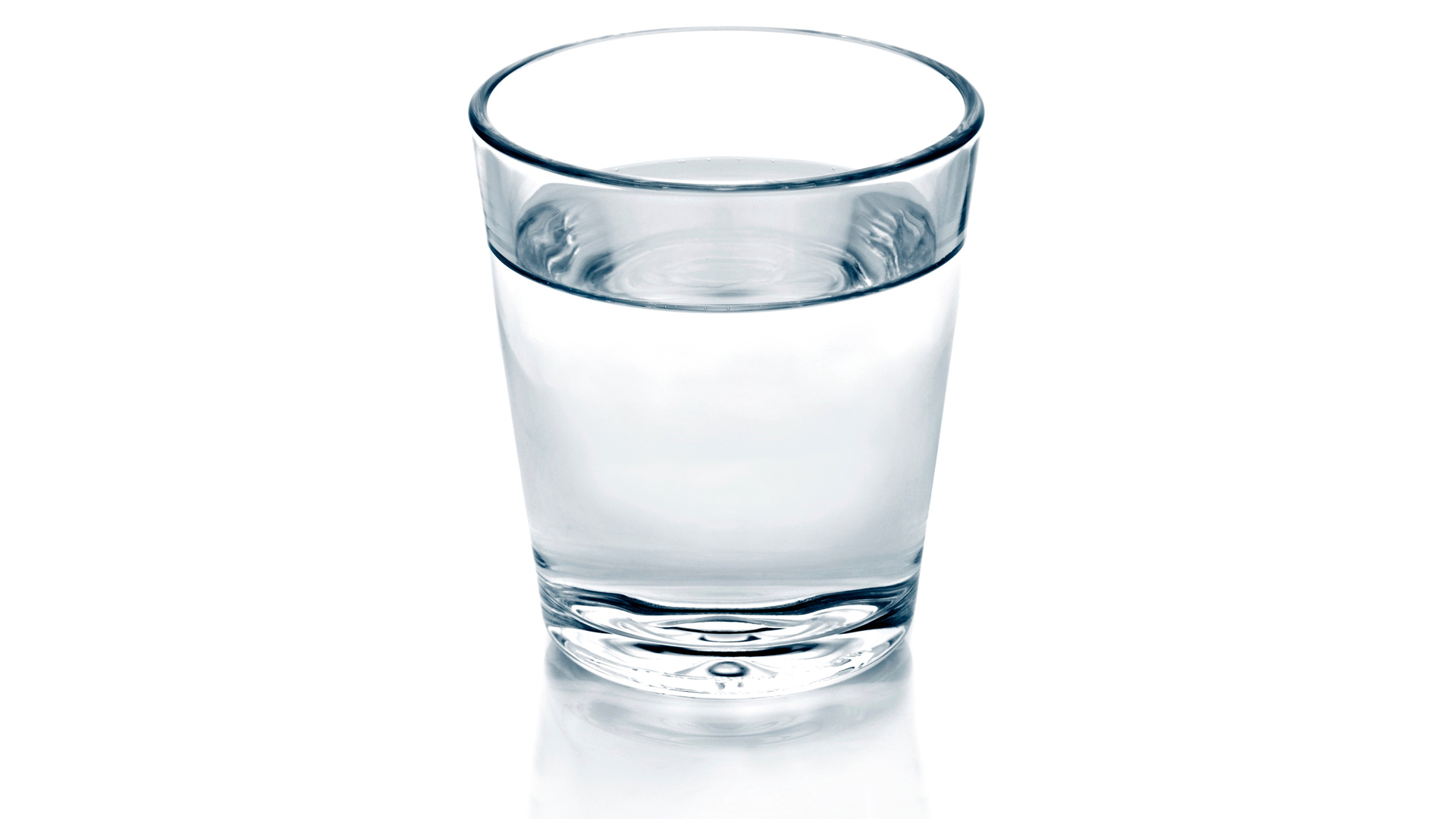 Hieronnan jälkeen kannattaa juoda vettä, jotta kuona-aineet lähtevät liikkeelle. Minna tervamäki suosii hanavettä, joskus maistuu kookosvesikin.