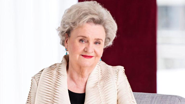 Kirjailija Laila Hirvisaari on syntynyt 7.6.1938. Hyvää syntymäpäivää!