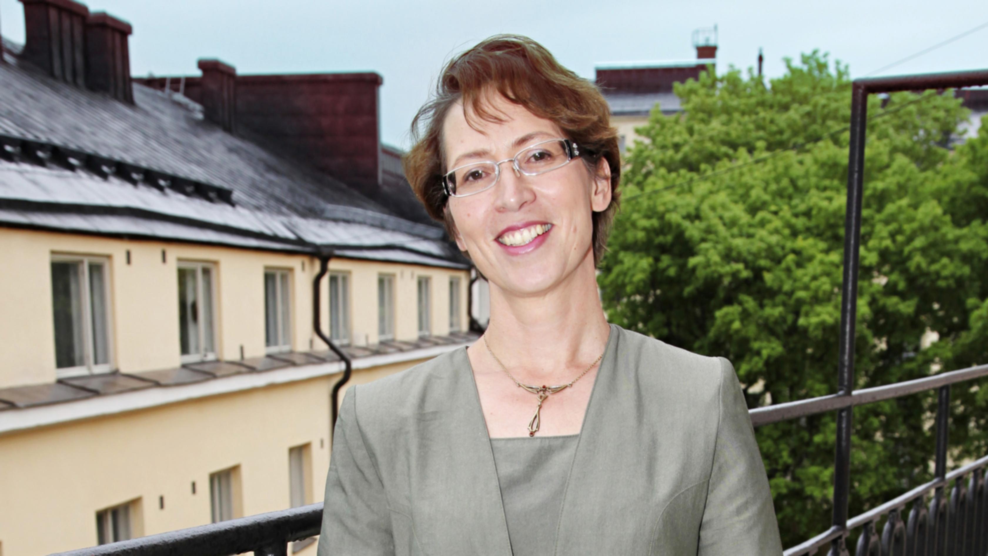 Sari Essayah tuli uskoon 30 vuotta sitten. Kristillisdemokraattien kansanedustajaksi hänet valittiin ensimmäistä kertaa vuonna 2003.