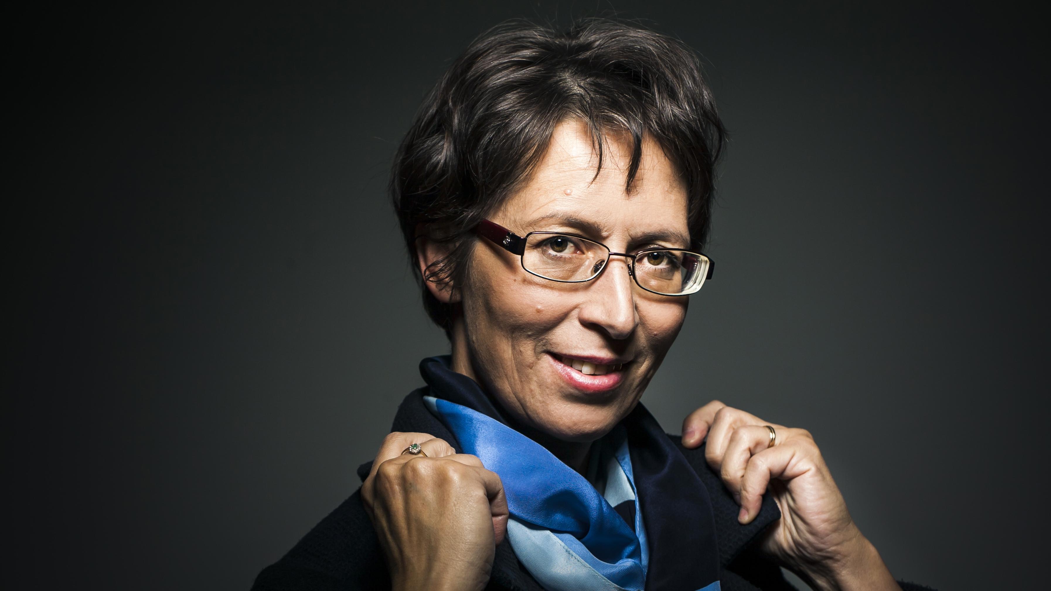 Kristillisdemokraattien puheenjohtajaksi Sari Essayah valittiin ensimmäisen kerran vuonna 2015. Hänet valittiin toiselle kaudelle siitä huolimatta, että hän sairasti valinnan aikaan syöpää.