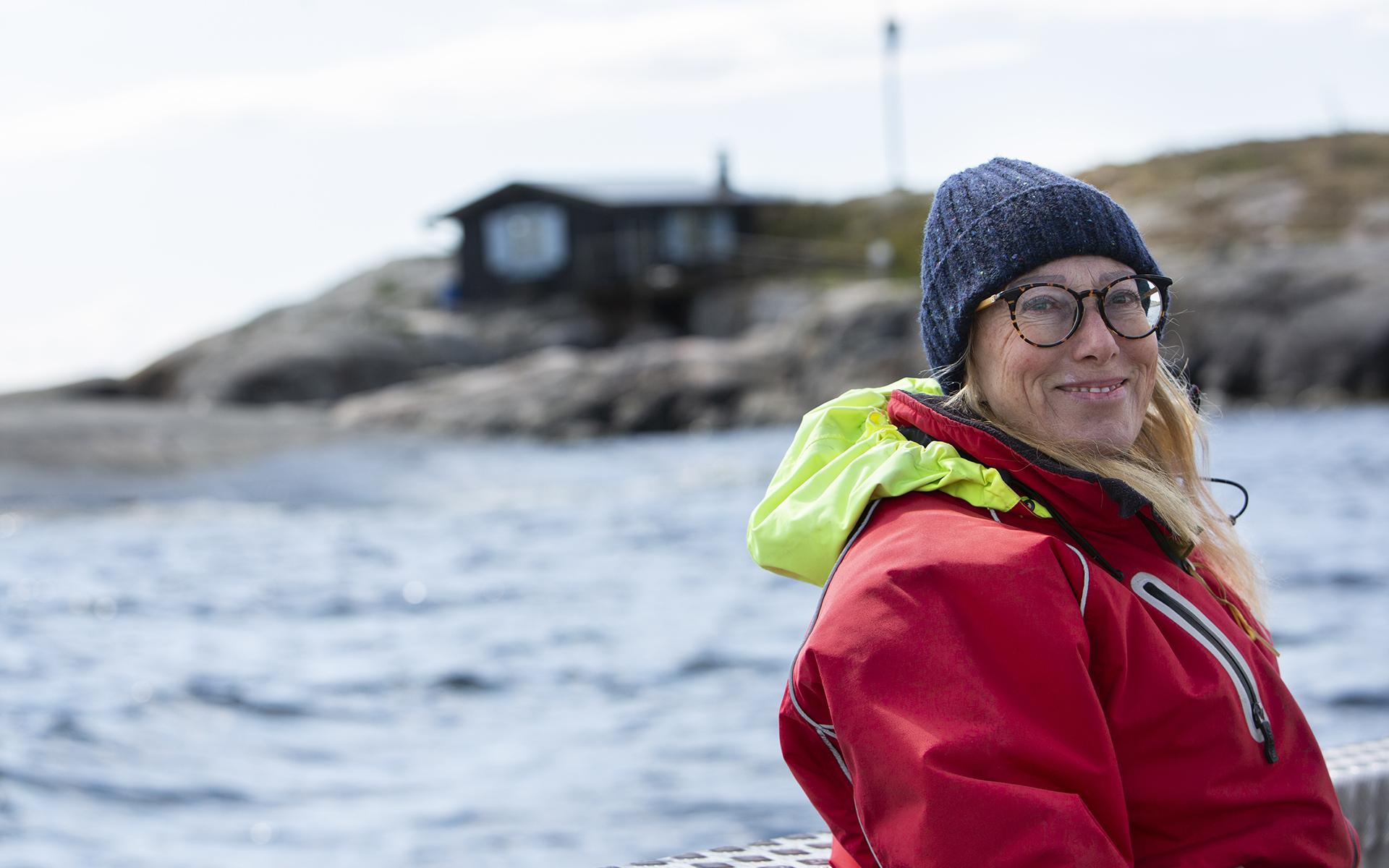 Sophia Johansson luotsasi Seuran toimittajan Tove Janssonin luodolle.