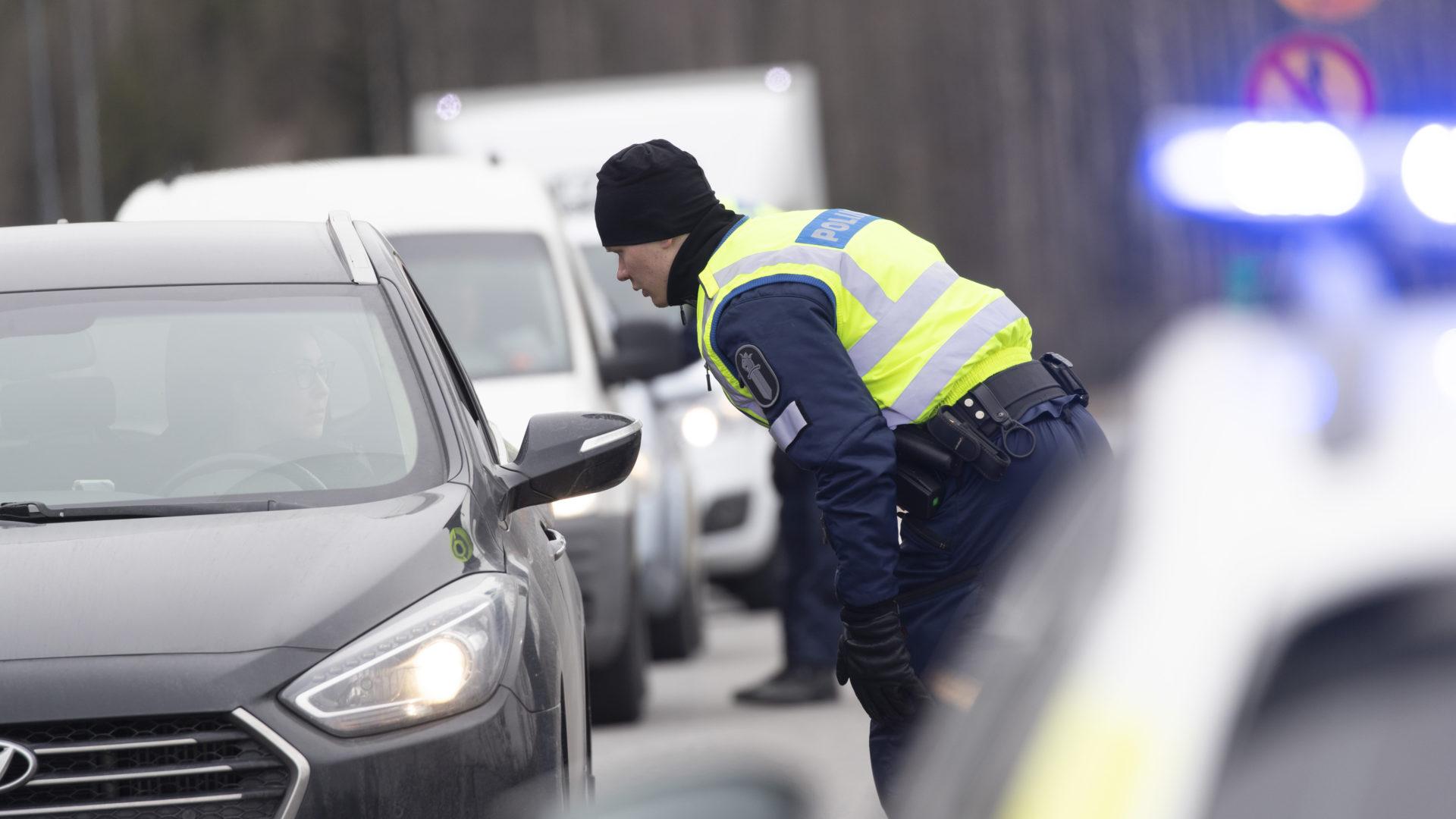 Poliisi Uudenmaan sululla