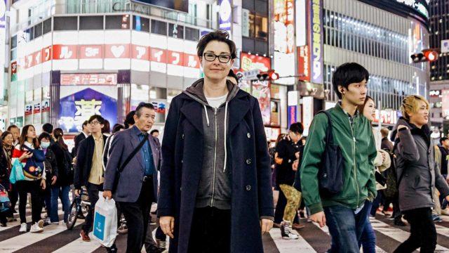 Sue Perkins Japanissa.