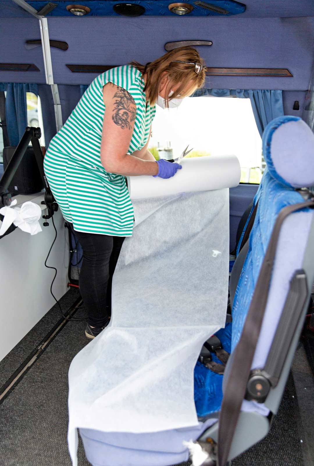 Sari Lahtisen kiireisimmät työpäivän hetket ovat tapaamisbussin huoltotauot.