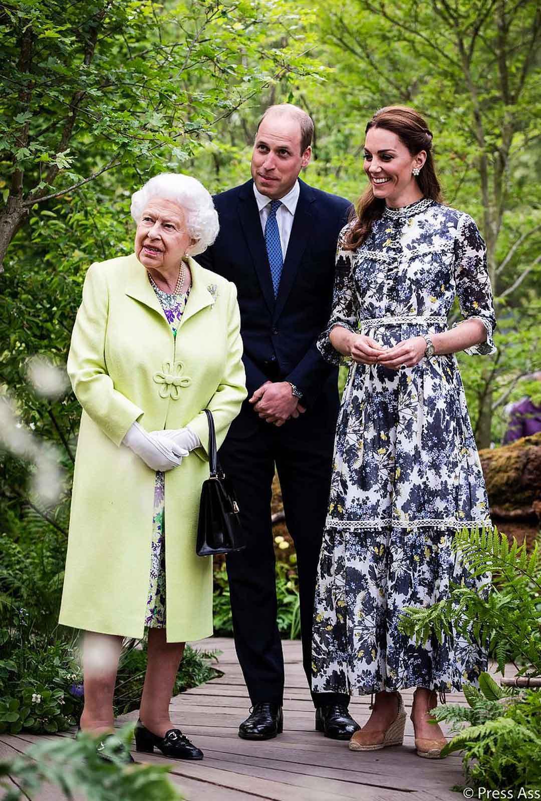 Kuningatar Elisabetilla kerrotaan olevan läheiset välit pojanpoikansa vaimon kanssa.