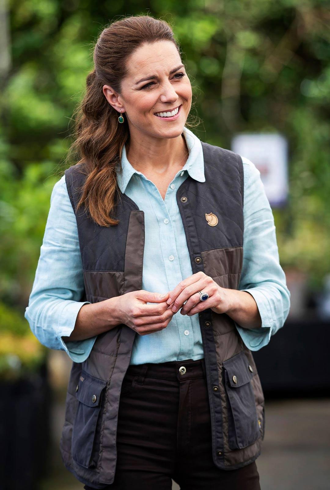 Catherine on kasvanut keskiluokkaisessa perheessä, mutta hän on onnistunut hoitamaan kuninkaalliset velvollisuutensa hienosti.