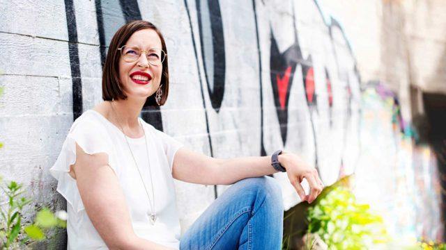 SOS-Lapsikylän kehitysjohtaja Kati Palsanen on uransa aikana huomannut, että on eri asia johtaa asioita kuin ihmisten elämää.