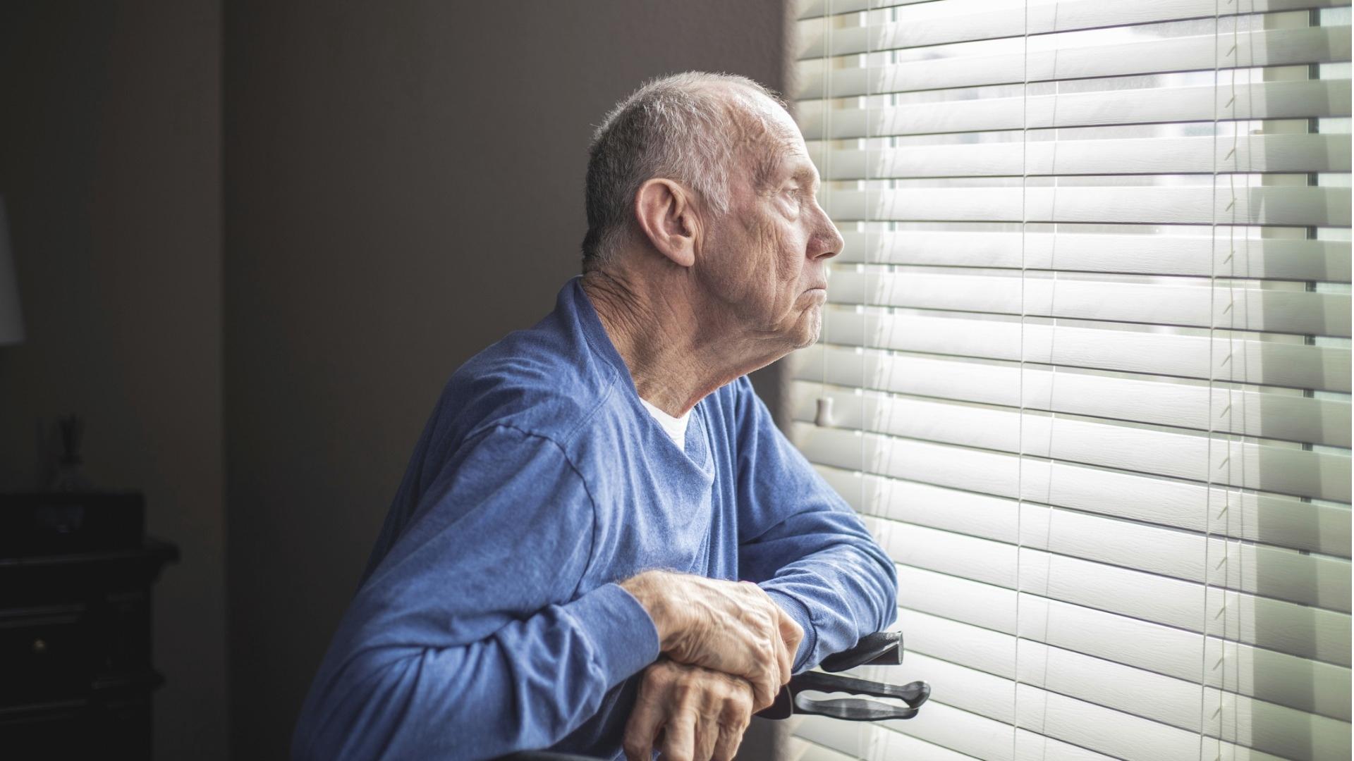 Ministeriö toivoo myös esteettömän asumisen helpottavan vanhusten kotona pärjäämistä. Esteettömyys ei silti poista hoivaajan tarvetta, jos ikääntynyt ei enää pysty liikkumaan ilman apua.
