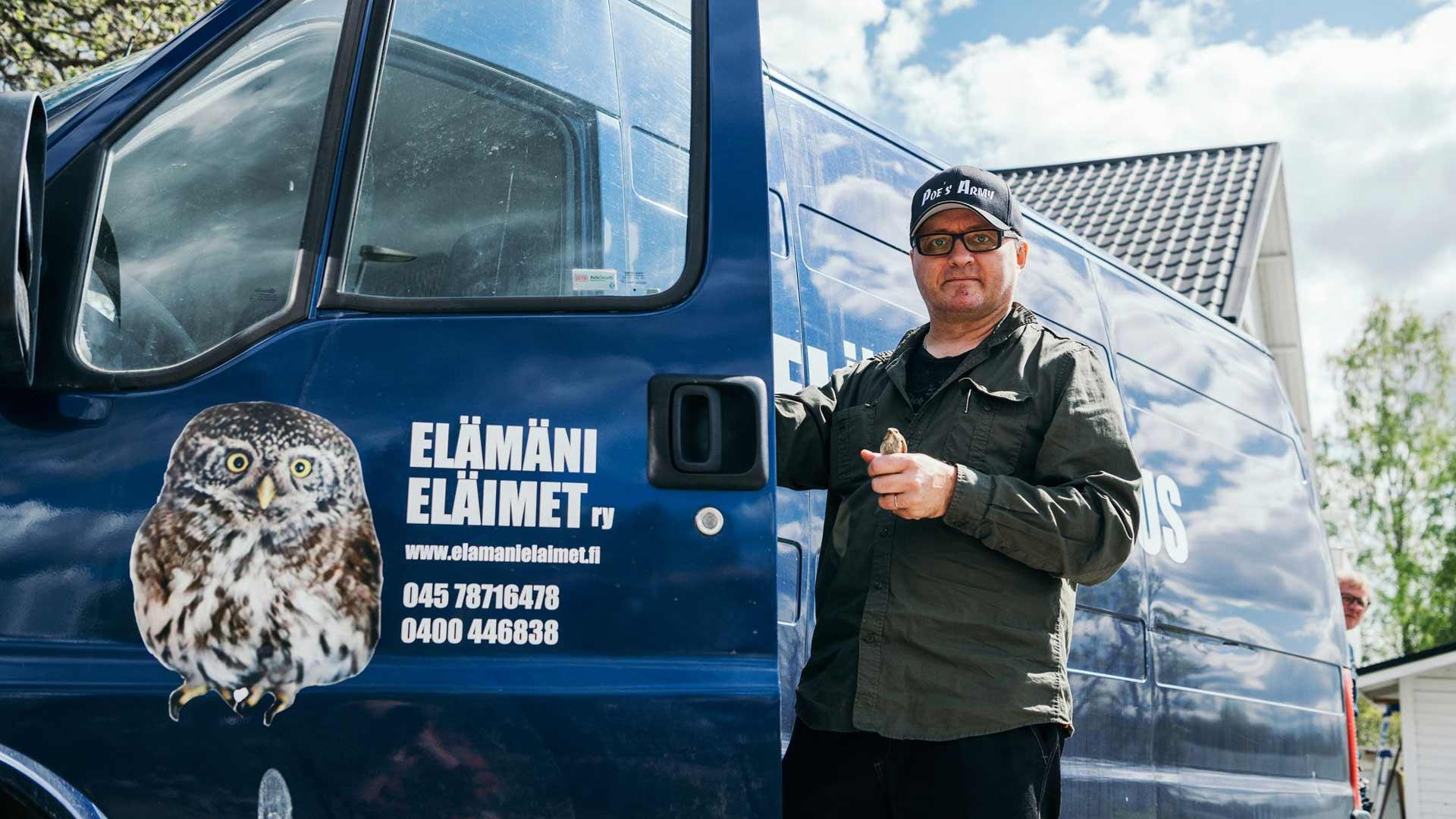 Nykyään Jarmo Lautamäellä on käytössään varta vasten eläintenpelastamiseen hankittu pakettiauto.