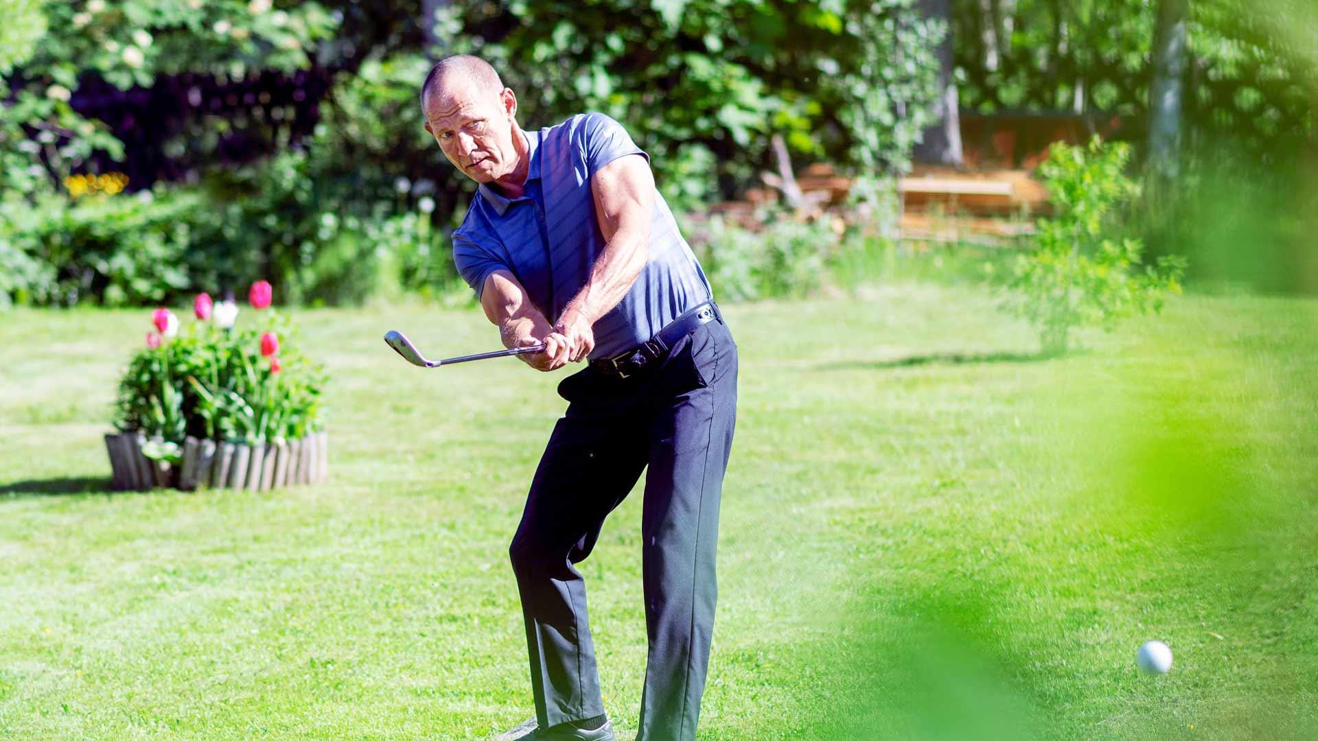 Jouni Hämäläinen löysi golfin muutama vuosi sitten. Sitä ennen hän ajatteli, että voisi ehkä kokeilla lajia joskus vanhuudenpäivillään. Nyt hänen tasoituksensa on 19.