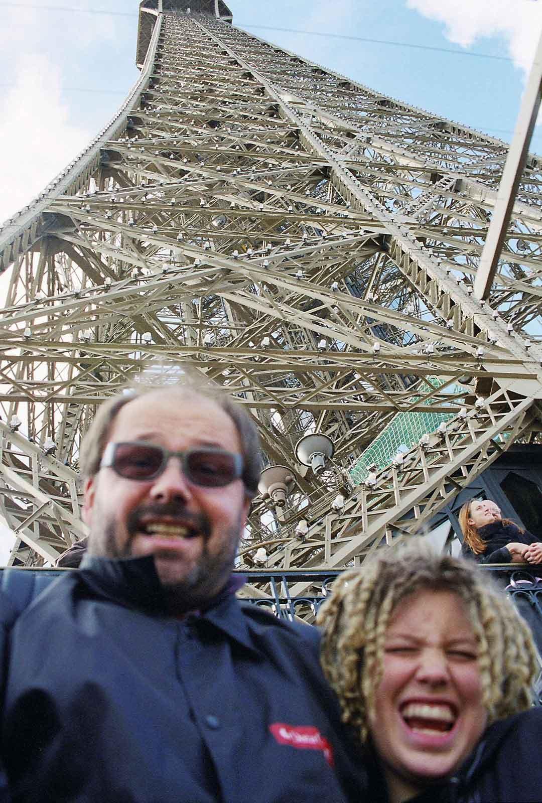 Vuonna 2000 tehty perhematka Pariisiin on jäänyt nostalgiseksi muistoksi ajasta, jolloin elämä vielä näytti paljon tavallisemmalta.