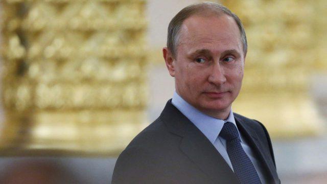 Presidentti Vladimir Putin vieraili pietarilaisessa loistoravintolassa.