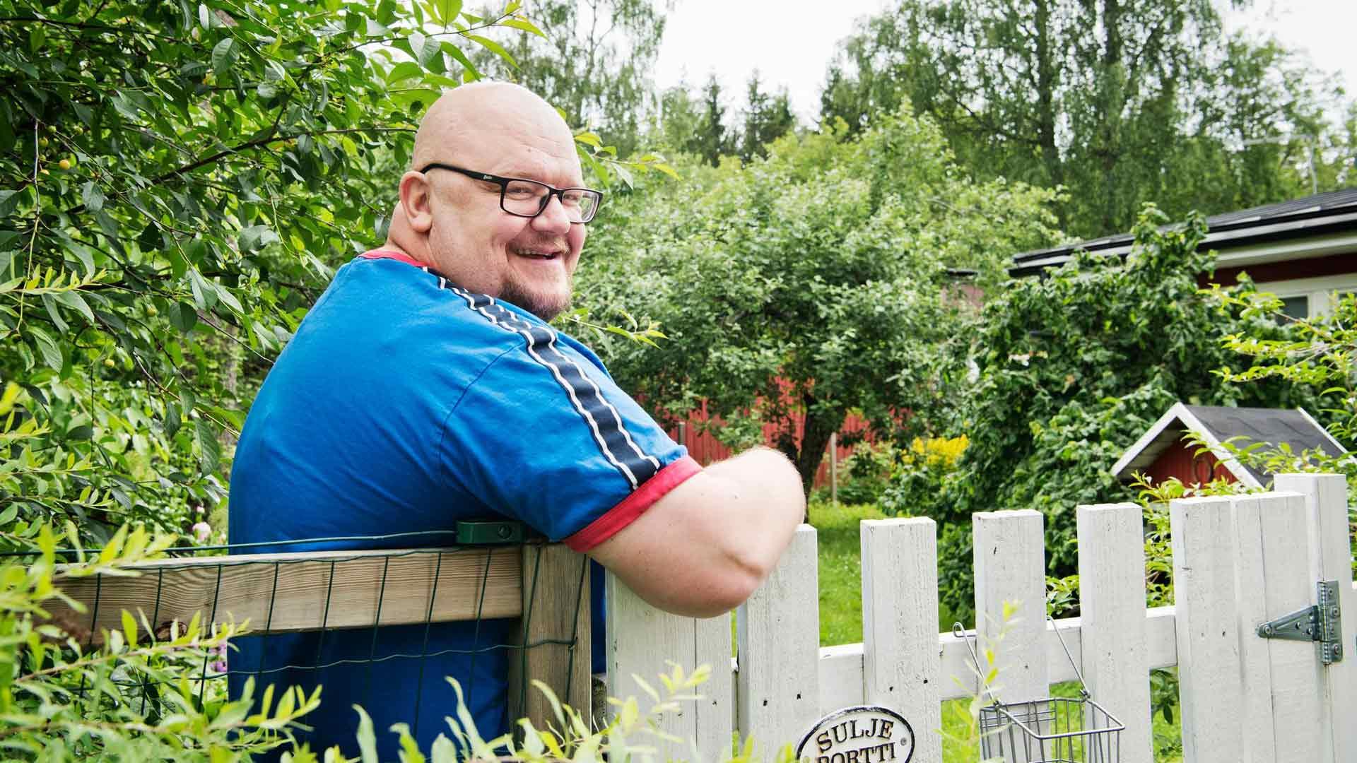 Joni Nyholm kertoo, että heidän perheensä muutti Lahelanrinteeseen luonnon takia.