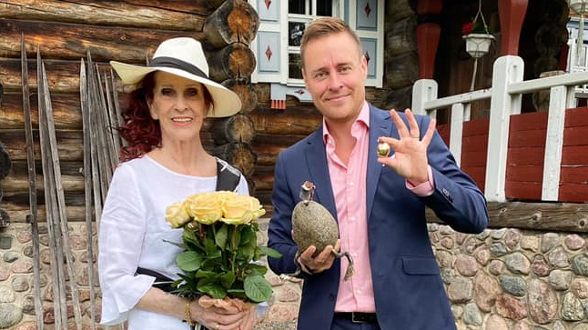 Aira Samulin palkittiin Seuran Elävä legenda -palkinnolla.