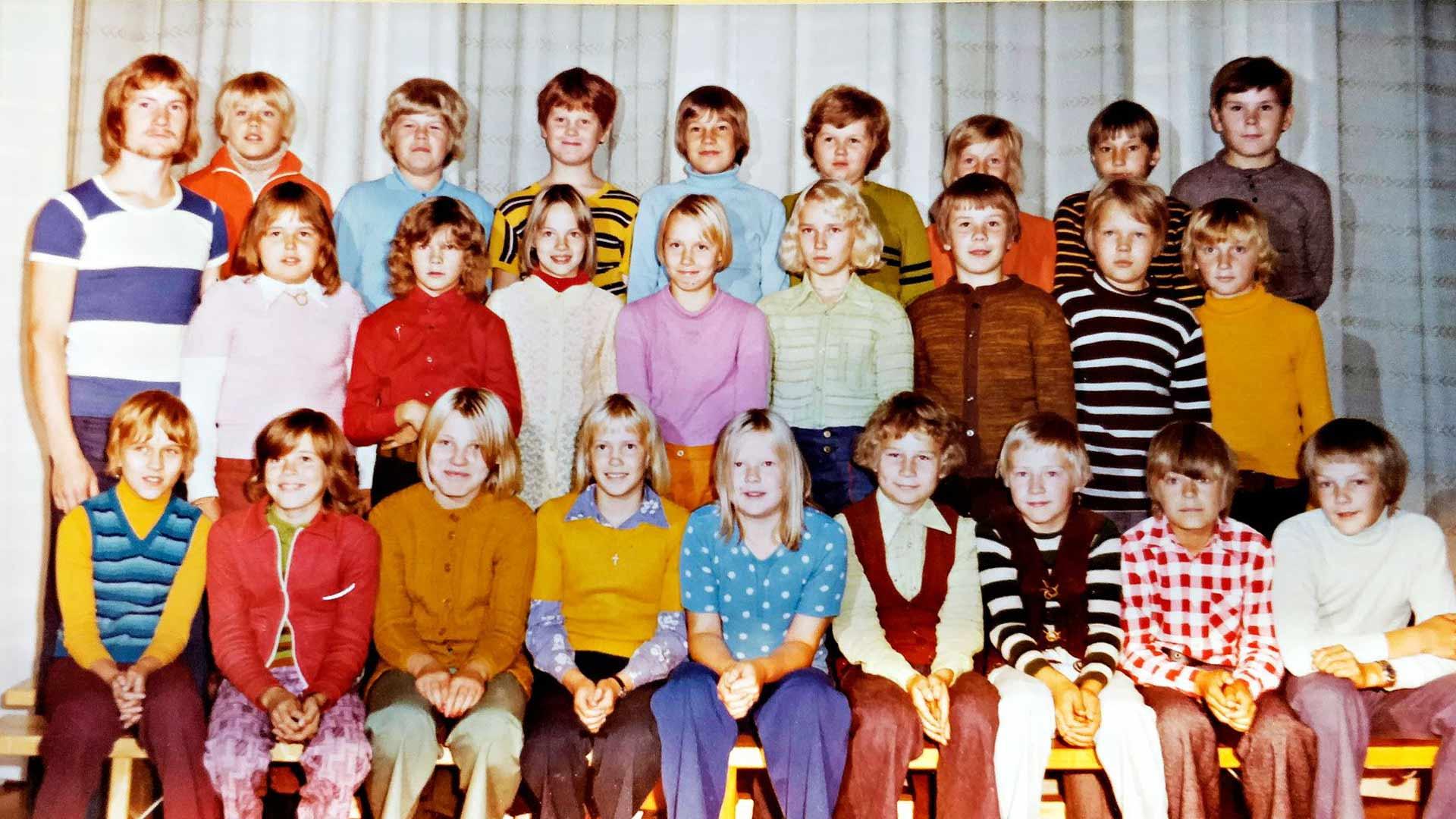 Toivion koulun viides luokka lukuvuonna 1974–75.