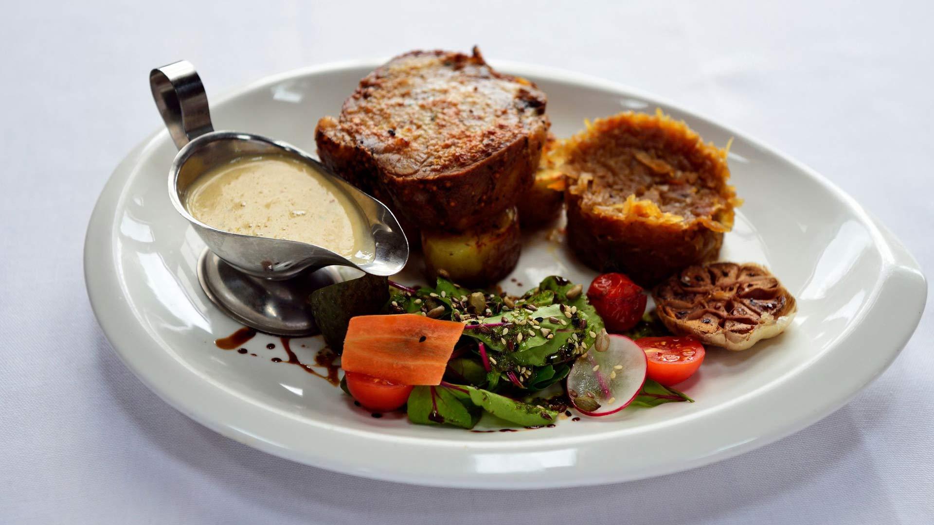 Latvialaisessa keittiössä lumoavat riista, sienet, hunaja ja muut luonnon antimet: kasvistarjontakin on laadukasta.