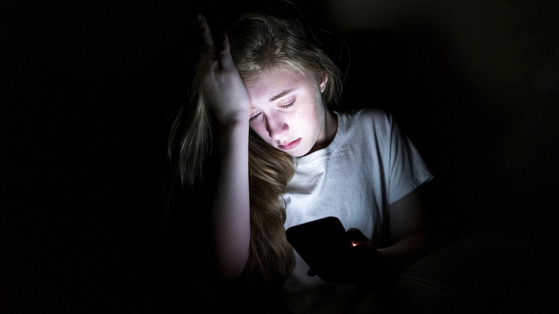 Nettivihavakuutusta markkinoidaan erityisten nuorten vanhemmille netissä tapahtuvaa koulukiusaamista vastaan. Nettiviha on nettipoliisin mukaan kuitenkin hyvin usein nimenomaan aikuisten ongelma.