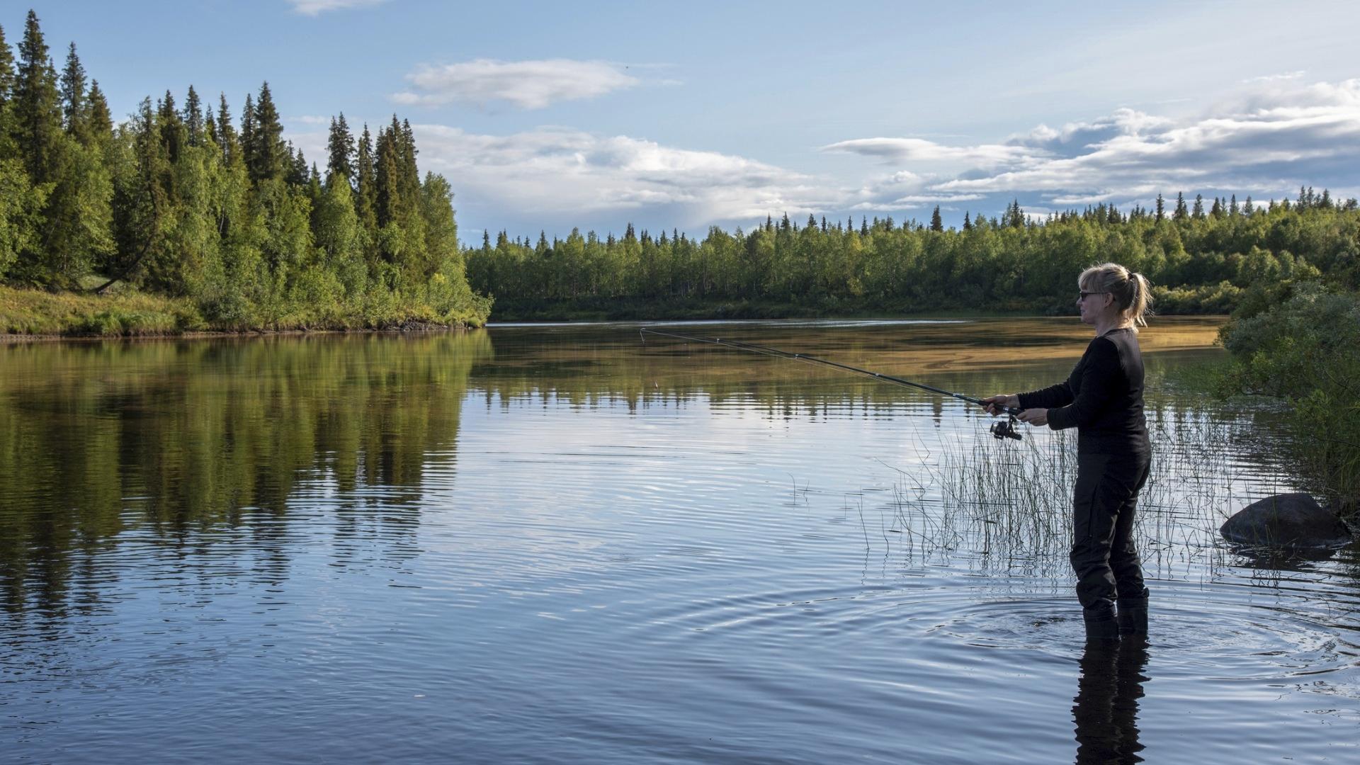 Joka kuudes suomalainen oli kalastanut viimeisen puolen vuoden aikana.Viidennes oli kalastanut vuoden sisään.