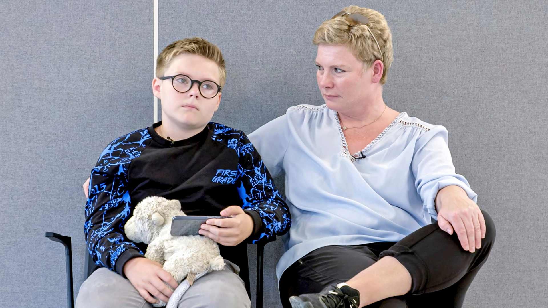 Yksitoistavuotias Kim dokumentissa Äiti olen poika.