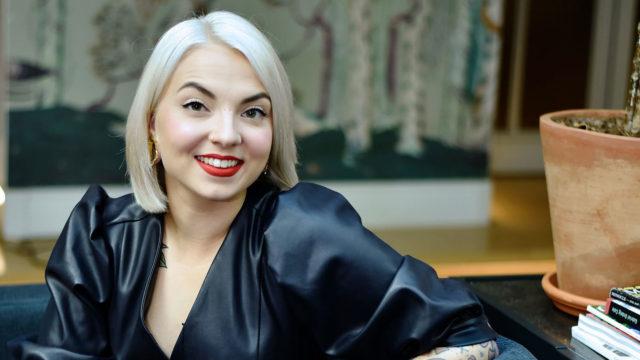 """""""Olen viime aikoina katsellut valtavia villapeittoja ja haluaisin tehdä sellaisen itse"""", kertooVeronica Verho."""