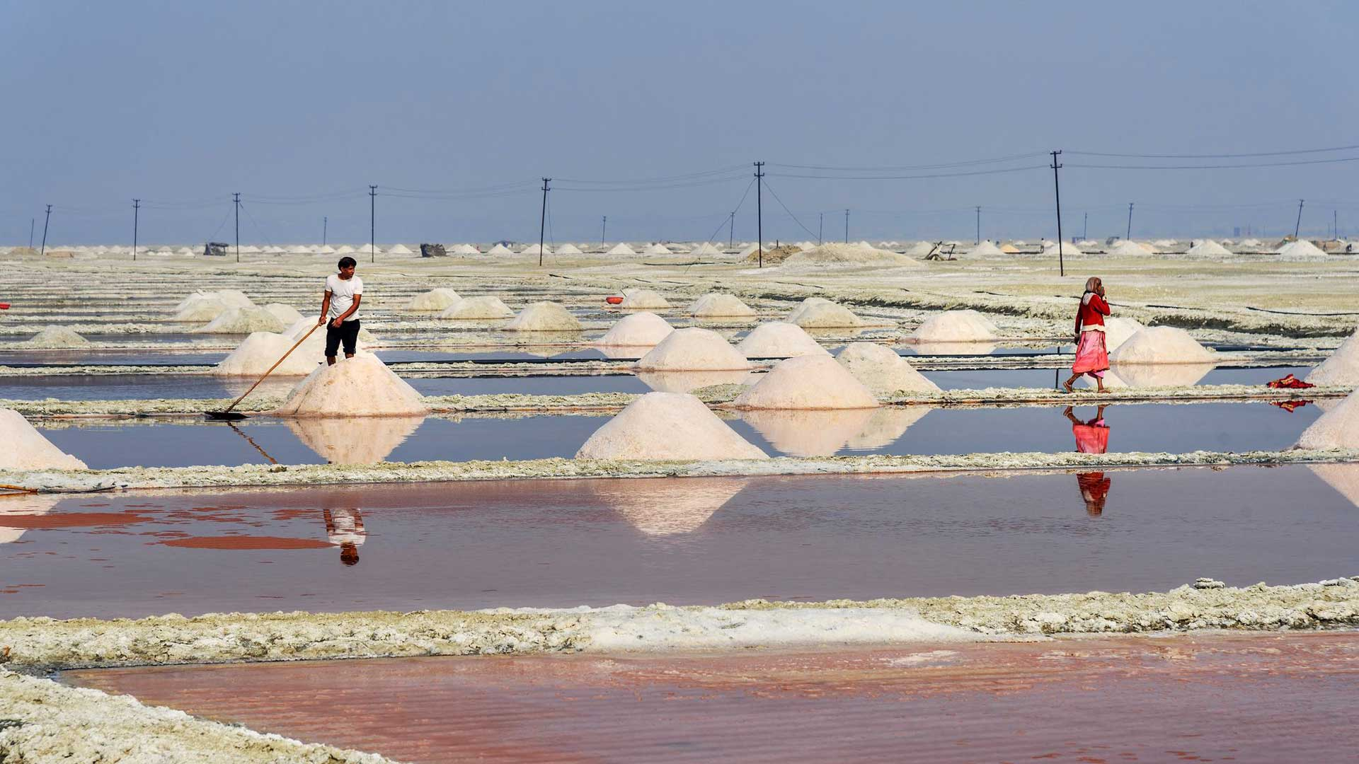 Suolamineraalit muodostuvat merivedestä saostumalla.