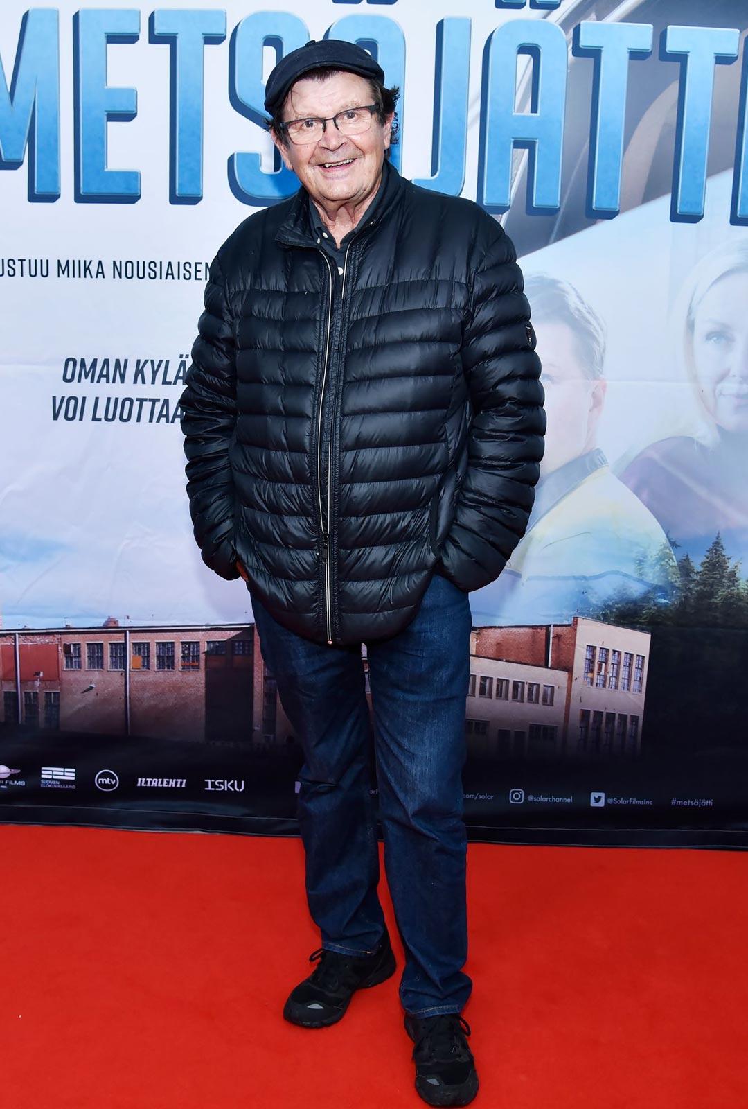 Näyttelijä Heikki Kinnunen viihtyi maalla koko kesän.