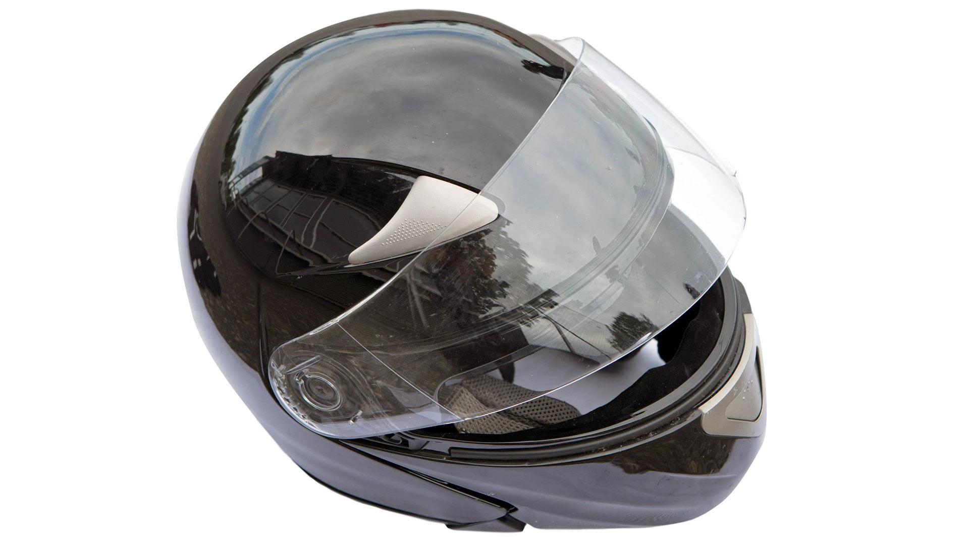 Kypärä on motoristin pakollinen turvavaruste.