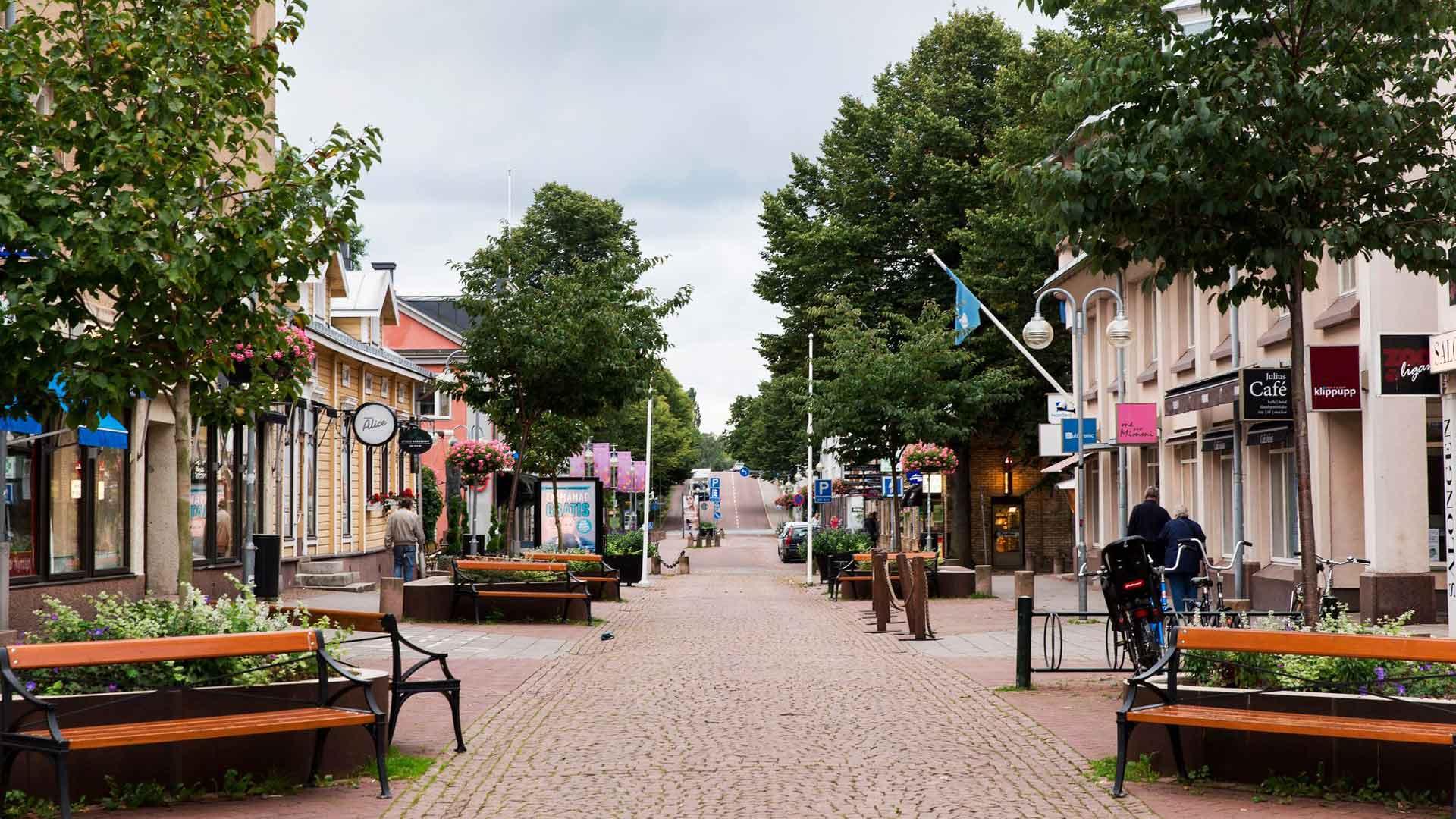 Maarianhamina on 12 000 asukkaan metropoli, jossa kaikki on lähellä.