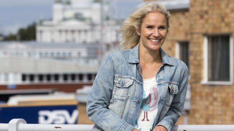 Laura Malmivaara kertoo Anna-lehdessä, että neljän kuukauden Tanssii tähtien kanssa -treenien aikana hänen kehossaan ja mielessään tapahtui uskomaton muutos.