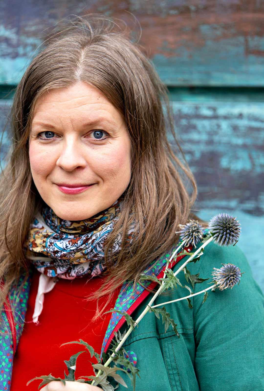 Johanna Pohjola on toimittaja ja antropologi